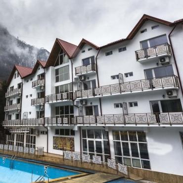 Hotel SARA'S SONS - Oferta O SAPTAMANA LA MUNTE